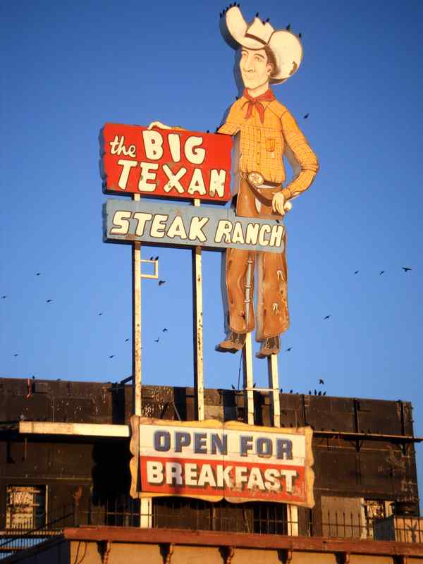 Big Texan Steak Ranch enseigne cowboy