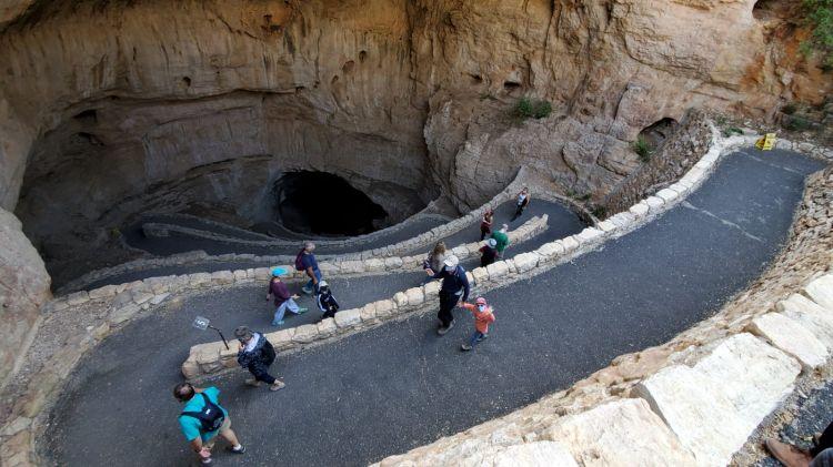 carlsbad-caverns-entree