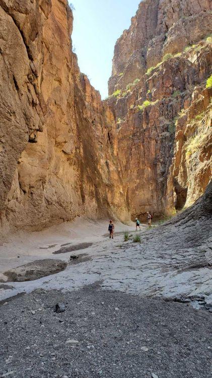 closed-canyon